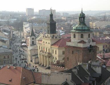 Rapują o Polsce, Bogu, spiskach, złej UE. Zablokowano ich koncert w...