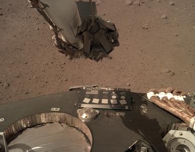 Niezwykłe zdjęcia z powierzchni Marsa. Polacy zwrócą uwagę na jeden...