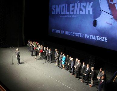 """""""Smoleńsk"""" widziało na razie niewiele osób. O filmie piszą wszyscy"""