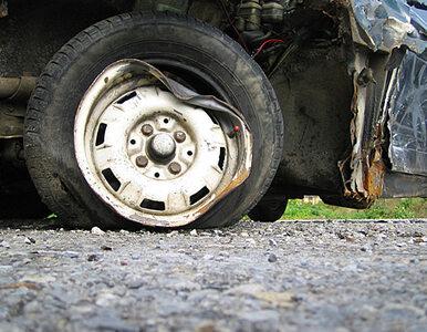 Opel, wypadek, policja, ford, wypadek. A4 do Katowic zablokowana