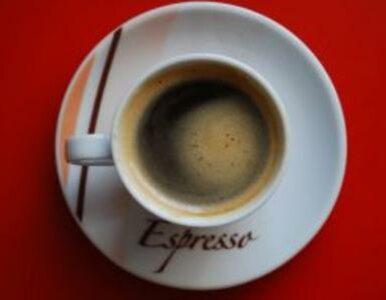 Smak kawy zmienia się w zależności od koloru kubka