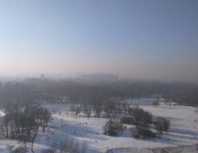 Smog atakuje polskie miasta. Władze apelują do mieszkańców o pozostanie...