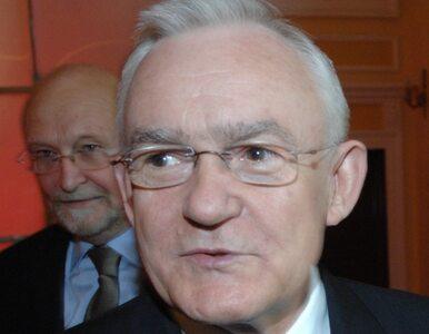 """""""Od Kaczyńskiego trzeba się trzymać z daleka"""""""