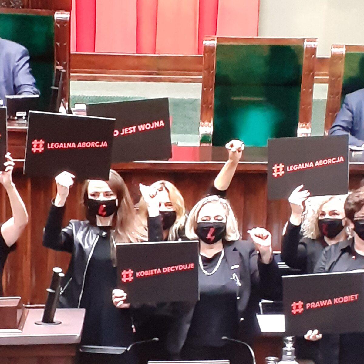 Protest posłanek w Sejmie
