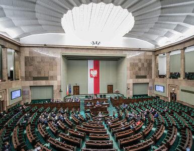 Polacy źle oceniają partie, które nie poparły głosowania ws. Funduszu...