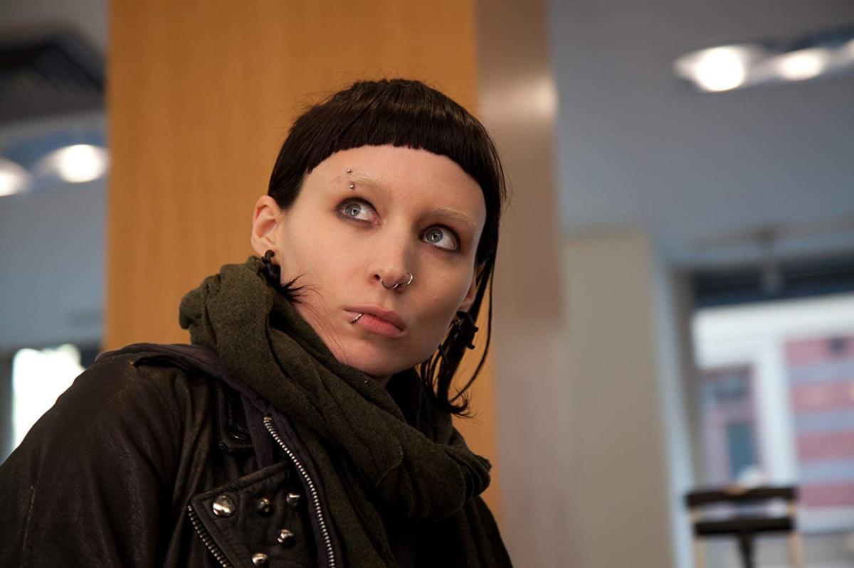 """Rooney Mara w filmie """"Dziewczyna z tatuażem"""" (2011)"""
