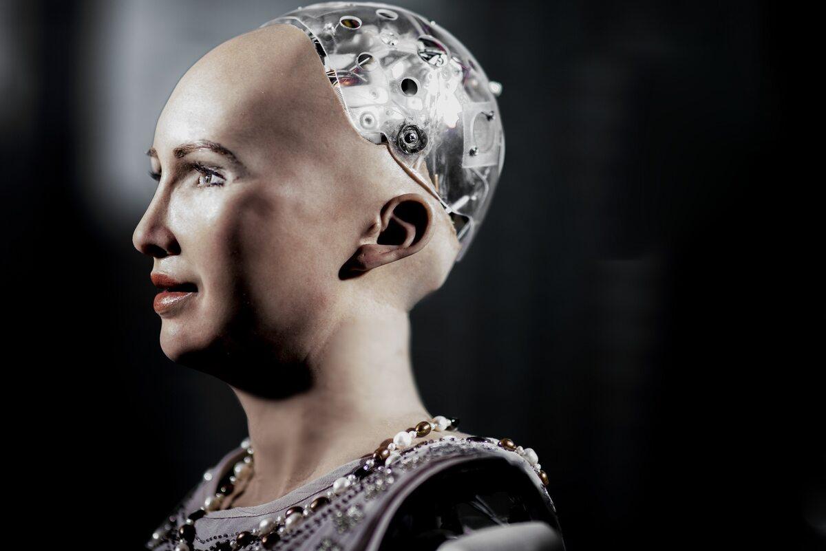 Sophia, humanoidalny robot obdarzony sztuczną inteligencją