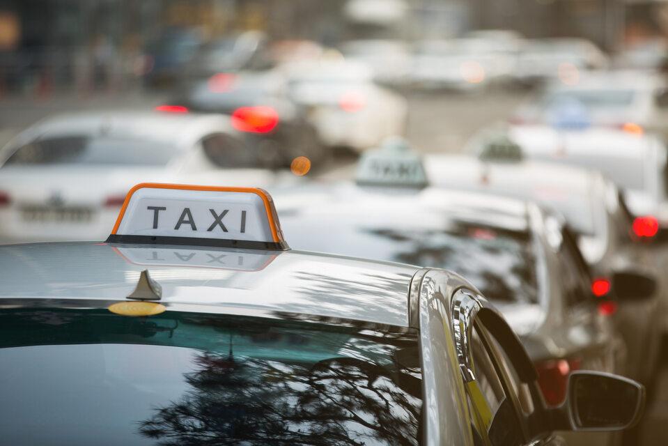 Taksówka, taxi, zdj. ilustracyjne