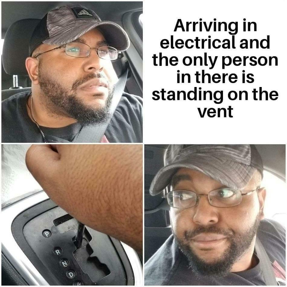 Mem inspirowany grą Among Us