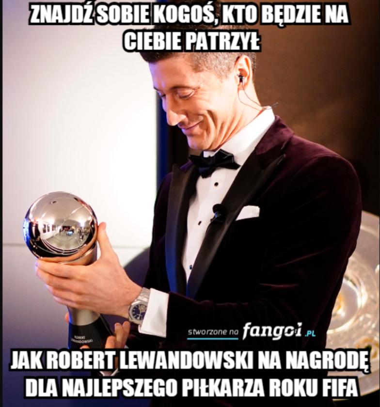 Mem komentujący nagrodę dla Roberta Lewandowskiego