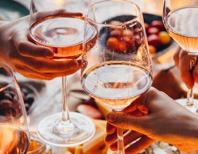 Alkohol zwiększa ryzyko zachorowania na raka piersi. I to znacznie –...