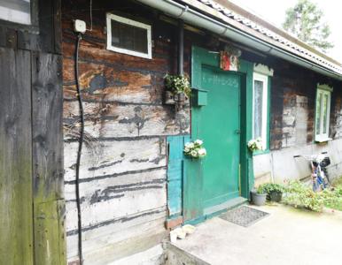 """""""Nasz nowy dom"""". Dowbor pomogła rodzinie z Drewnicy i wyremontowała..."""