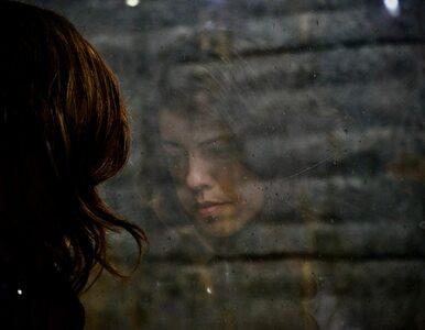 Depresja ma różne twarze. Nie musi objawiać się smutkiem