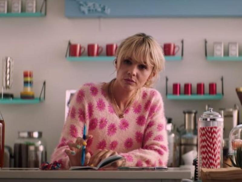 """Kadr z filmu """"Obiecująca. Młoda. Kobieta."""" (2020)"""
