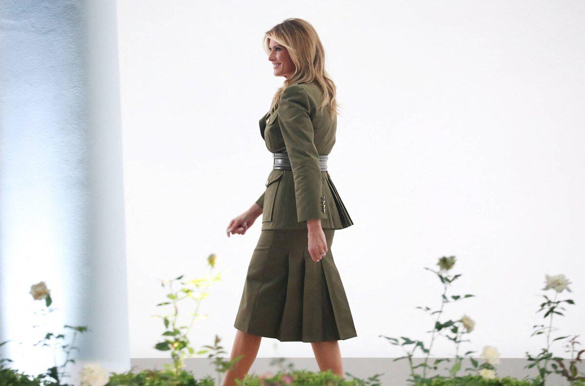 """Militarny"" strój Melanii Trump"