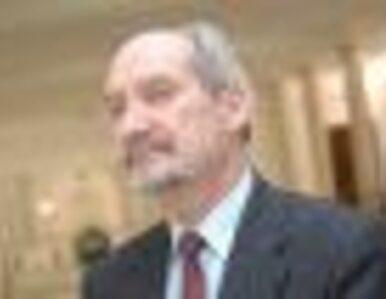 Macierewicz doniesie ws. wycieku raportu o SKW