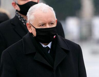 Jarosław Kaczyński złamał obostrzenia, przemawiając na mszy? Jest...