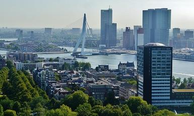 Kanały Rotterdamu lepsze niżulice Warszawy? Ambasador RP reaguje...