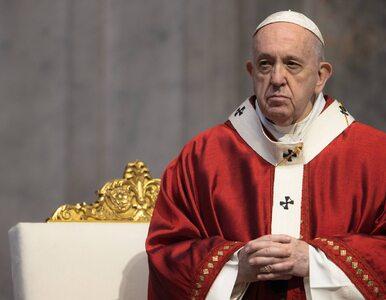 """Papież apeluje o przestrzeganie obostrzeń epidemicznych. """"Nie śpiewajcie..."""