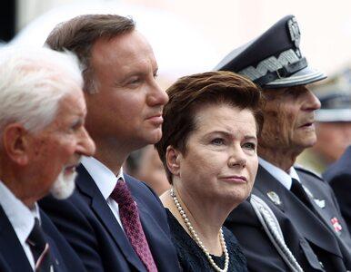 Andrzej Duda nie przekazał znaku pokoju prezydent Warszawy? To nagranie...