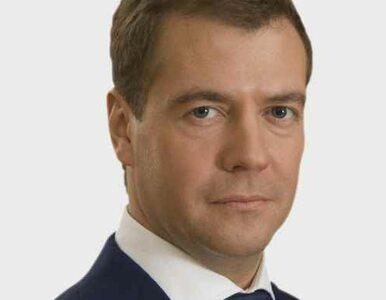 Miedwiediew zmienił decyzję bolszewików. Policja zastąpi milicję