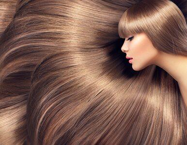 7 witamin i suplementów, które najlepiej wzmacniają włosy. Co polecają...