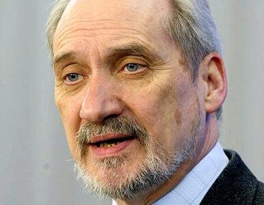 Macierewicz: eksperci z USA nie dostają od nas pieniędzy