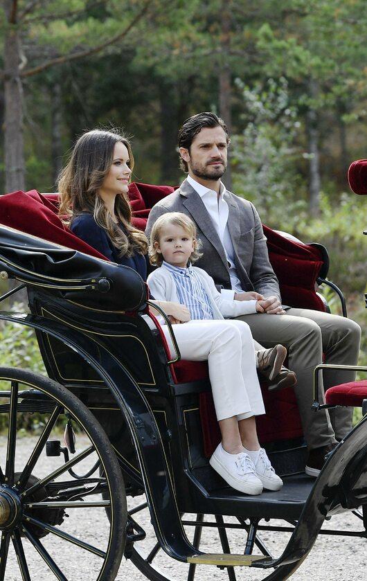 Książę Karol Filip z żoną i synem