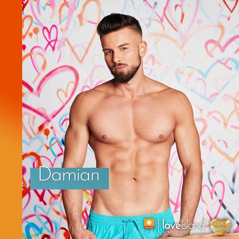 Damian Damian uwielbia szybkie samochody i adrenalinę, kocha sport, a siłownia to jego naturalne środowisko. Trenował karate i koszykówkę, obecnie największą przyjemność sprawia mu boks.