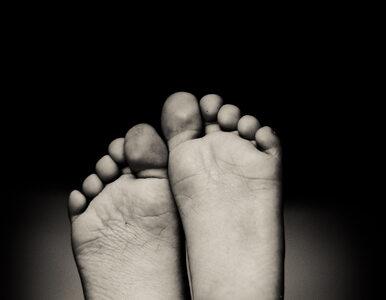 O czym może świadczyć ból stopy i jak go leczyć?