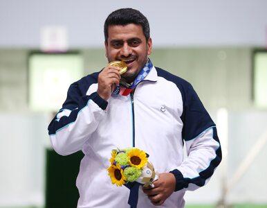 Zdobył złoty medal w Tokio 2020 i jest podejrzewany o terroryzm....