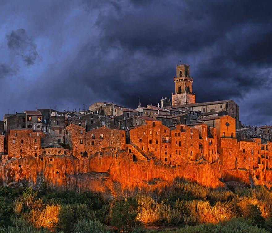 Pitigliano, Włochy boredpanda.com
