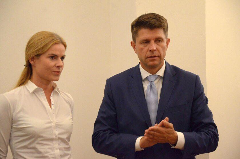 Posłanka Nowoczesnej Joanna Schmidt i przewodniczący tej partii Ryszard Petru