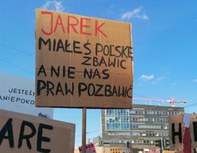 """Tak protestowano w Łodzi, tysiące demonstrujących. """"Jarek miałeś Polskę..."""