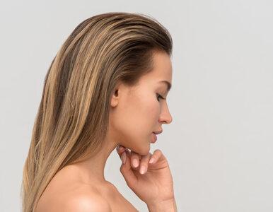 Nie rób tego swoim włosom. Niepozorne nawyki, które osłabiają ich kondycję