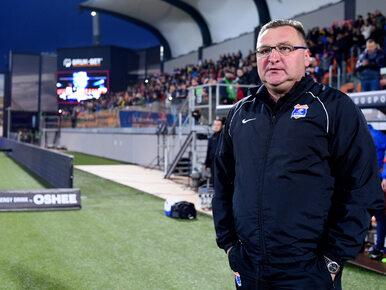 Wiejski zespół wyprowadził na czoło Ekstraklasy, ale odchodzi z klubu....