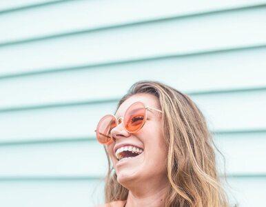 Jak wyglądać o dekadę młodziej? 7 ważnych wskazówek od dermatologa