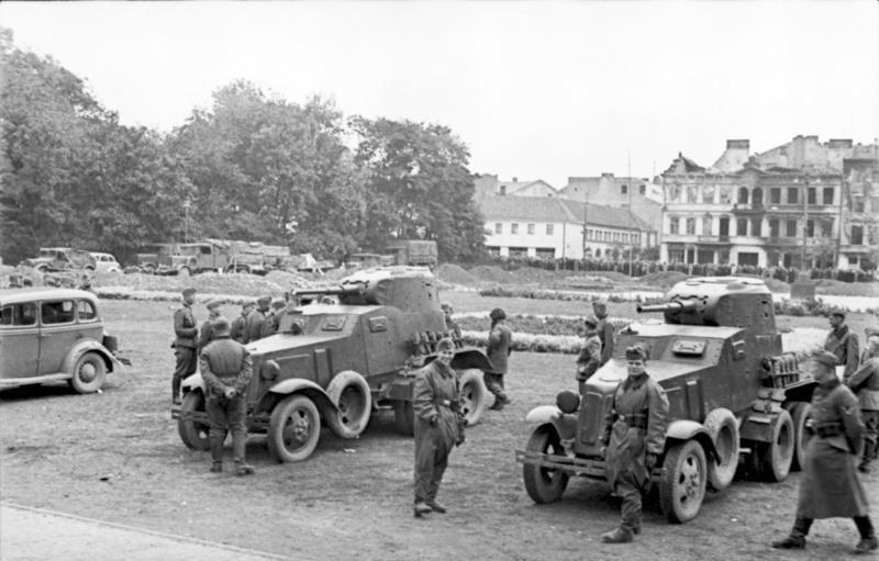 Żołnierze niemieccy i sowieccy w Lublinie