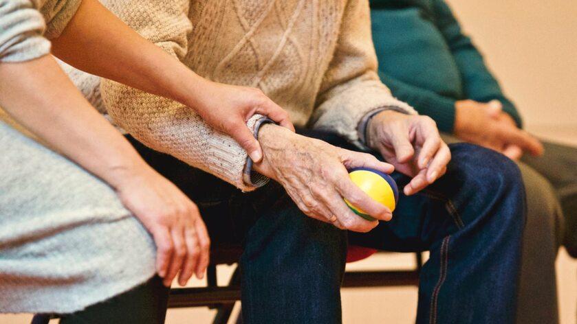 Pomoc osobie starszej