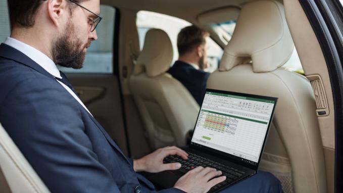 Laptop Lenovo ThinkPad X1 Nano znakomicie spisuje się zarówno wbiurze, jak ipoza nim