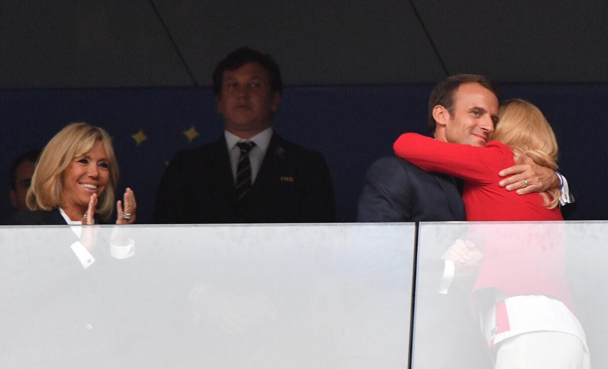 Kolinda Grabar-Kitarović gratulujke Emmanuelowi Macronowi wygranej Francji