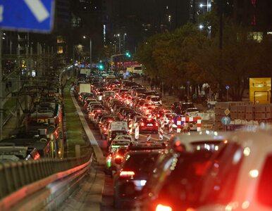 Warszawa. Samochód wjechał w demonstrantów. Są ranni