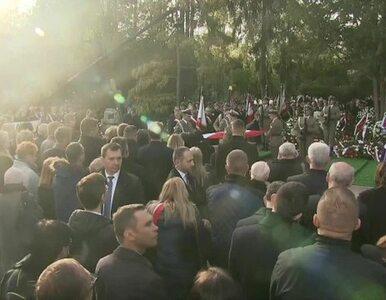 Kornel Morawiecki spoczął na Powązkach Wojskowych. Na pogrzebie pojawił...
