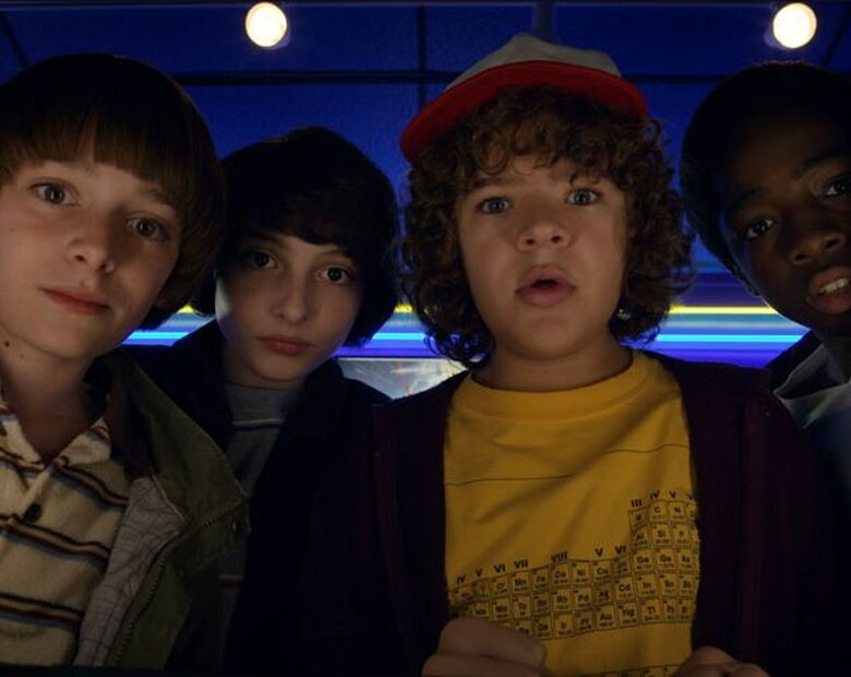 """Aktorzy znani z serialu """"Stranger Things"""" są już na Openerze! Netflix..."""