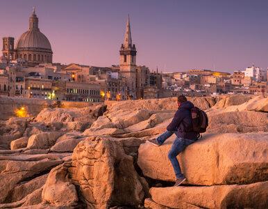 8 nastolatków z koronawirusem. Wrócili z Malty do Rzymu