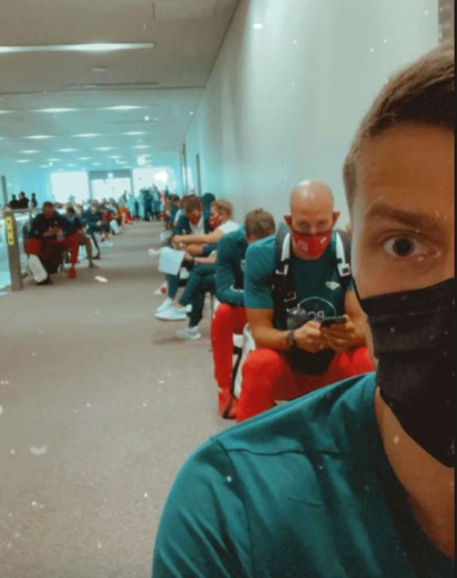 Polscy siatkarze na lotnisku