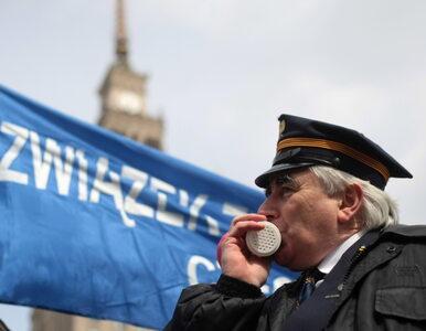 Kolejarze protestowali w Warszawie, bo chcą być bezpieczni