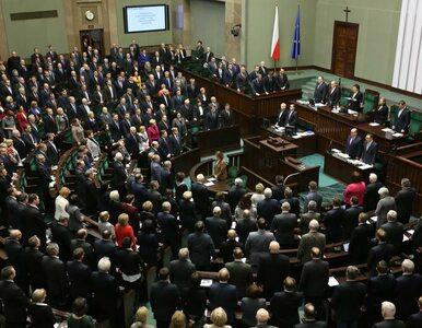 Najnowszy sondaż: PO przed PiS, KNP w Sejmie