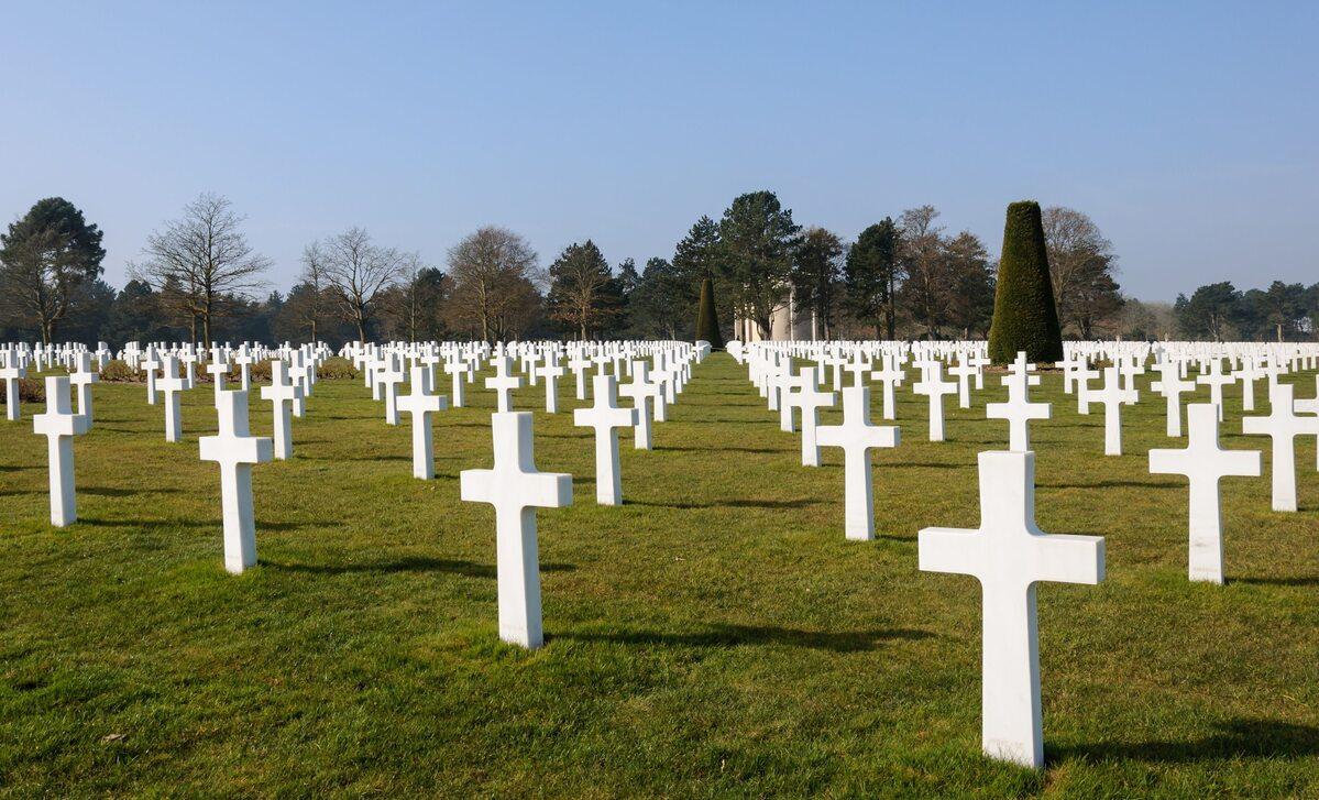 Jeden z amerykańskich cmentarzy wojennych w Normandii.