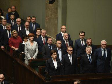 Sondaż: Większość Polaków źle ocenia działalność rządu i premier
